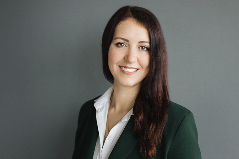 Profile Photo - Olga Samsonova - Commercial Real Estate Lawyer